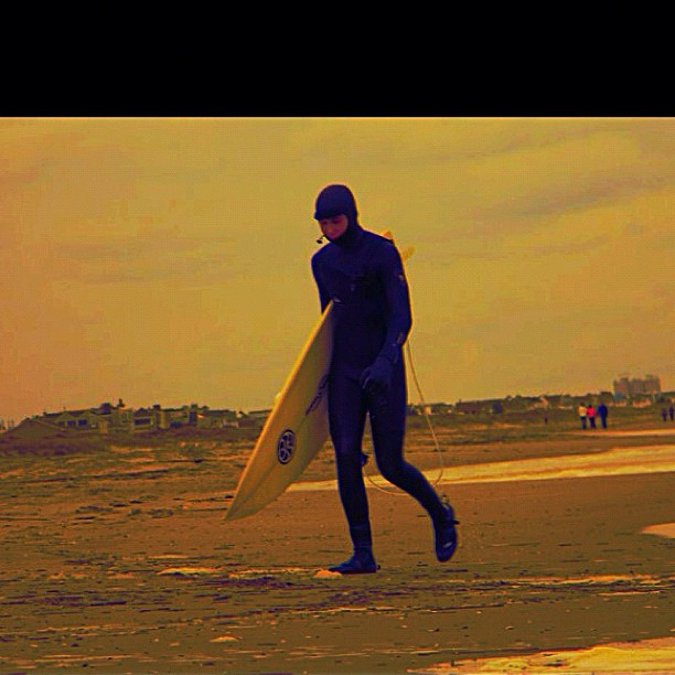 Kyle loves long walks on the beach #physixsurf #instagood #whatsgood #photooftheday #fall #surfing #surf #beach
