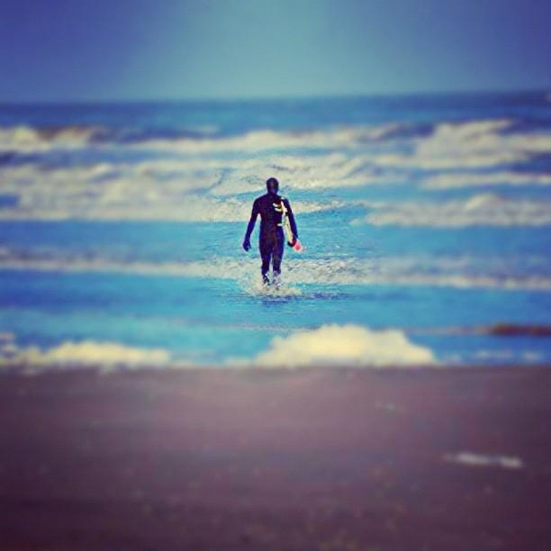 Winter beach walks. #physixsurf