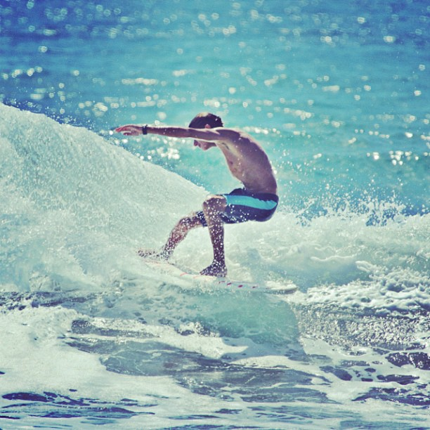 @nathanshamie ripping it up in Costa Rica #physixsurf