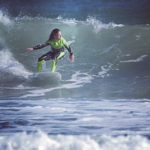 Connor Neff hitting the swells! #physixsurf
