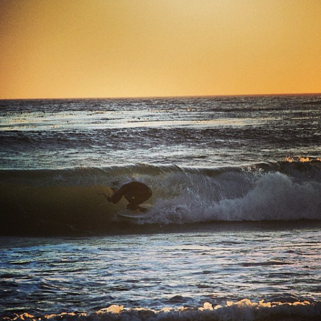 Sneaking through in the last drops of sunlight. #physixsurf @chasecovell